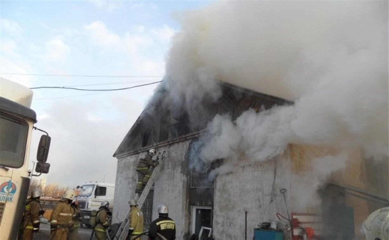 В Туле сгорела хозяйственная постройка