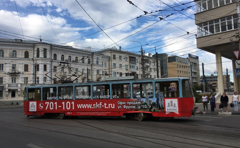В центре Тулы трамвай сошёл с рельсов