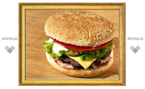 Тулячка обвиняет «Макдональдс» в продаже плесневого сэндвича