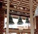 На колокольне Успенского собора повесили колокола
