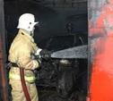 Пять пожарных расчетов тушили гараж в Туле