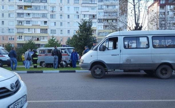 На пересечении улиц Кирова и Замочной автобус врезался в автолайн: есть пострадавшие