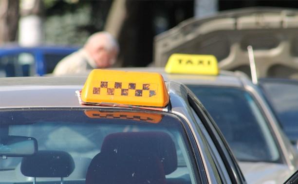 В 2014 году разрешение на частный извоз в Туле получили только 327 таксистов
