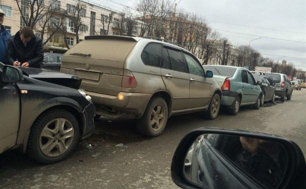 На проспекте Ленина столкнулись пять автомобилей