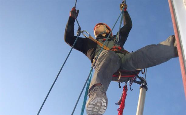 В Туле промышленный альпинист сорвался с 9 этажа