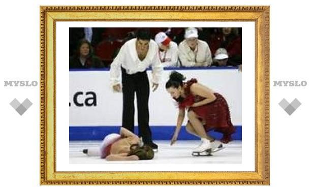 На Гран-при Канады фигурист уронил партнершу на лед