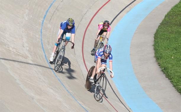 Тульские велогонщики открыли летний сезон на треке