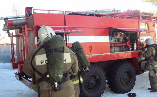 В Ефремове огнеборцы спасли из горящей квартиры мужчину
