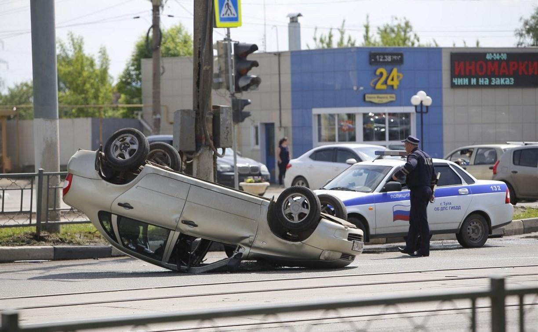 В Туле в ДТП с «перевертышем» пострадали два человека