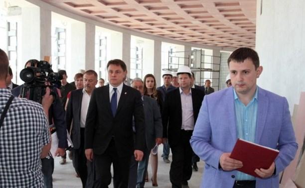 Владимир Груздев проинспектировал ремонтные работы в Тульском цирке