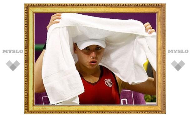 Вера Звонарева вслед за Сафиной снялась с чемпионата WTA