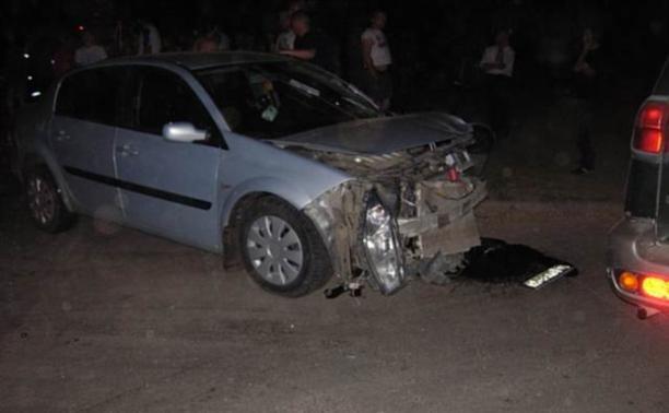 Из-за припаркованной машины в Мясново столкнулись ВАЗ и «Рено»