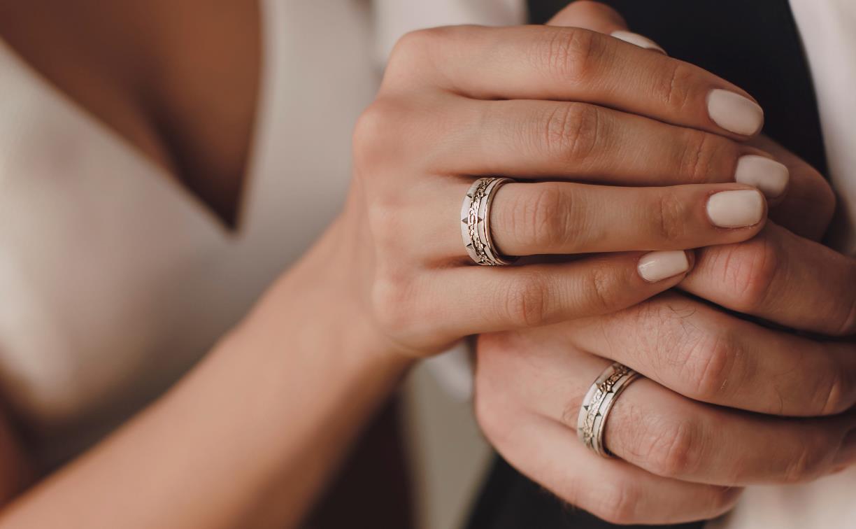 Свадебный день в «Тутанхамоне»: 3000 обручальных колец и подарки за покупку