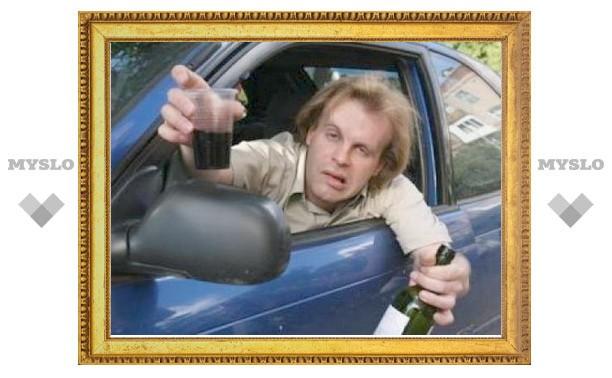 Под Тулой пьяный автоугонщик похитил машину с пьяным водителем внутри