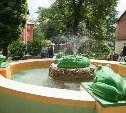 В тульском дворе появился фонтан с крокодилом и лягушками