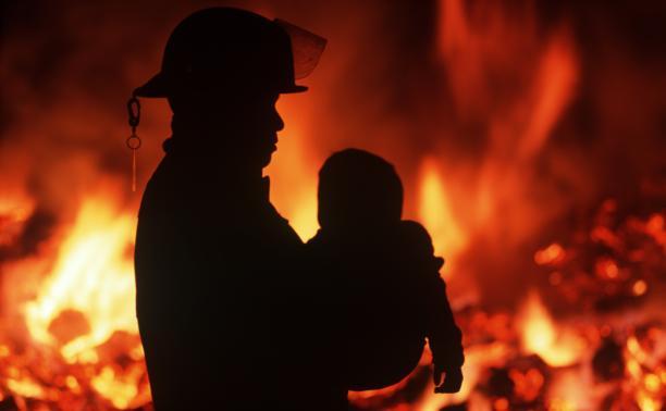 Следственный комитет начал расследование гибели ребенка на пожаре