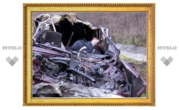 Под Тулой водитель легковушки заснул за рулем и улетел в кювет