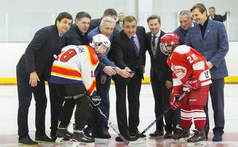 В Новомосковске открыли вторую ледовую арену