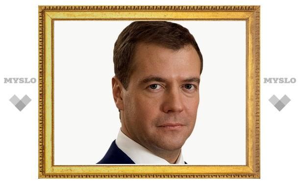 Медведев поздравил тулячку с чемпионским титулом