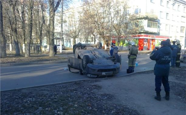 В ДТП в Новомосковске перевернулась «Шкода»