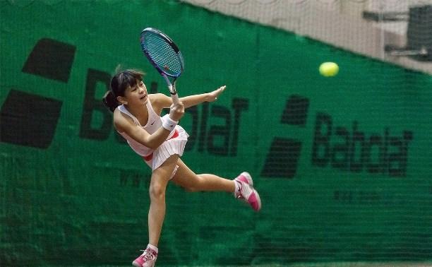 В Туле проходит новогодний турнир по большому теннису