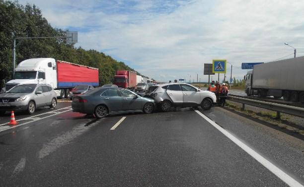 В столкновении легковушек на М4 пострадали семь человек