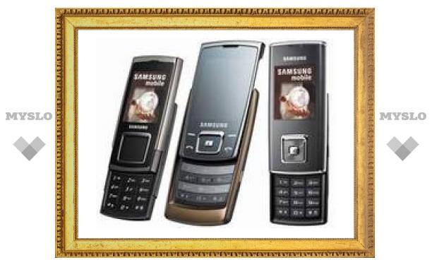 Samsung представила три новых мобильника