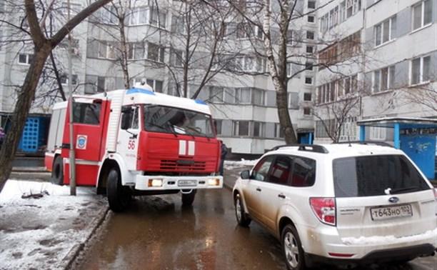 Пожарным и скорым разрешат таранить автомобили во дворах?