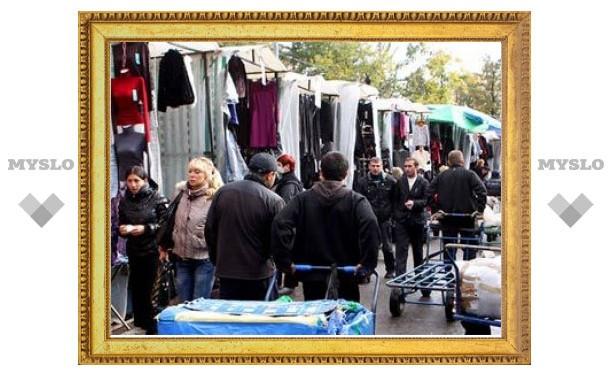 Правительство РФ запретило иностранцам торговать вне магазинов