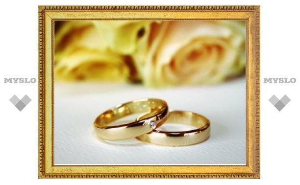 Тулякам разрешат сыграть свадьбу в музее самоваров