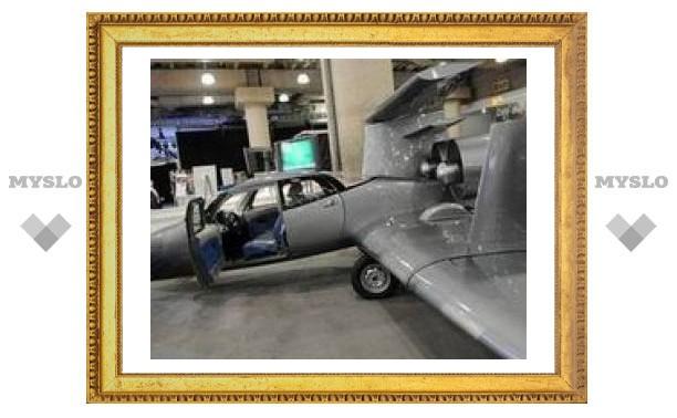 На автосалоне в Нью-Йорке представлен летающий автомобиль