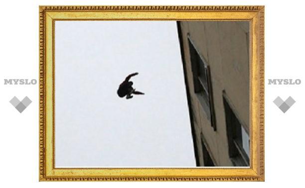 Житель Тульской области выбросился из окна больницы