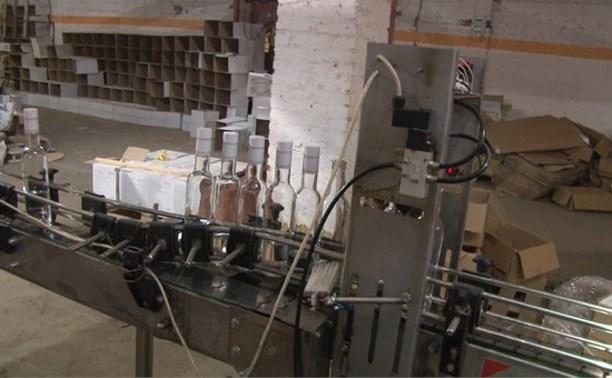 Полиция обнаружила в Щёкинском районе подпольный завод по производству алкоголя
