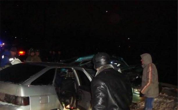 В Новогоднюю ночь в Узловском районе столкнулись два автомобиля ВАЗ