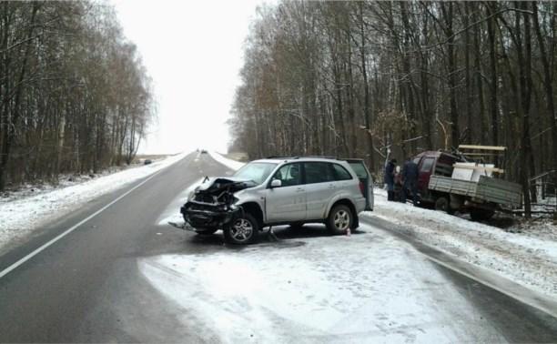 На трассе Тула-Калуга произошло тройное ДТП
