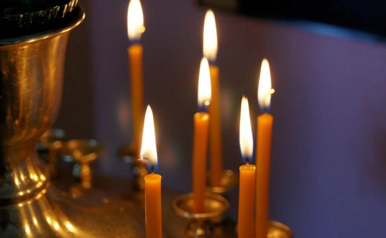 В Туле цыган согрешил при покупке свечей в храме