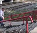 Новомосковцы сняли «клип» про аварийную лестницу, ведущую к вокзалу