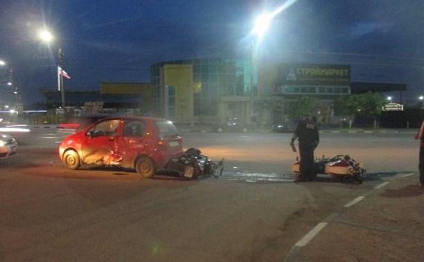 В Туле водитель Daewoo Matiz столкнулся с двумя мотоциклами