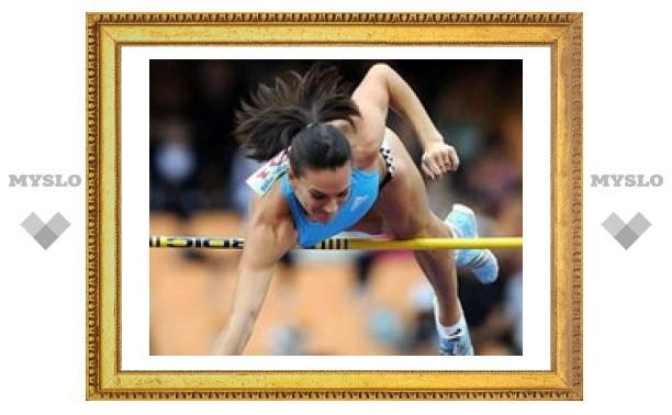 Елена Исинбаева установила второй рекорд подряд