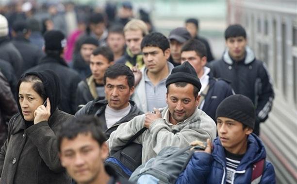 Мигрантов будут выдворять из страны за счет работодателя
