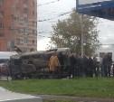 В Туле на пересечении ул. Дм. Ульянова и Красноармейского проспекта перевернулся «Лексус»