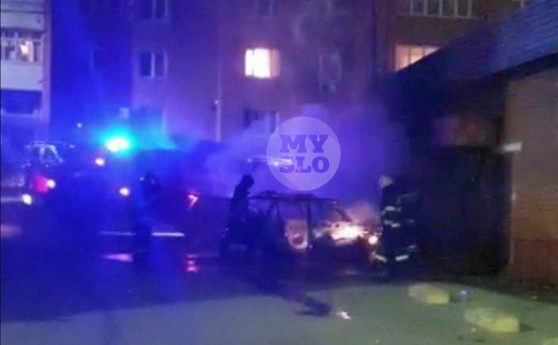 На ул. Ложевой сгорел брошенный автомобиль