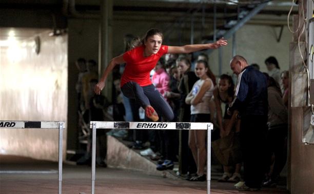 В Туле проходит первенство спортшколы по легкой атлетике