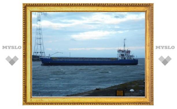 Пираты захватили греческое судно с россиянином на борту