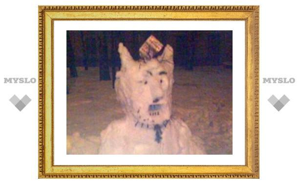Горбольницу №1 охраняет злой снеговик (ФОТО)