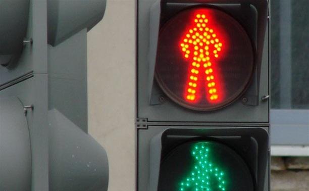 """В Заречье лишенный прав водитель ВАЗа въехал в """"Мерседес"""""""