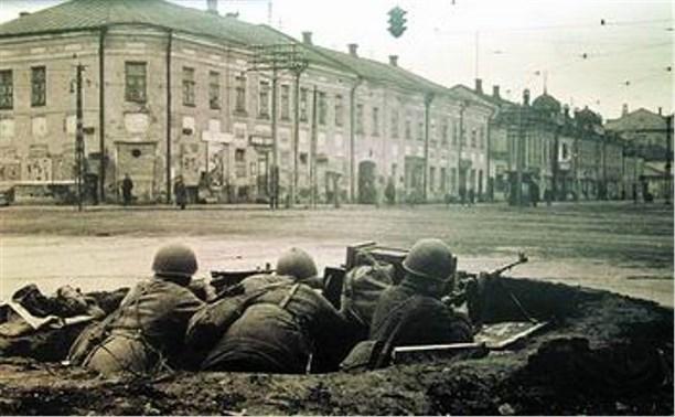 Владимир Груздев поздравил жителей региона с 74-й годовщиной обороны Тулы