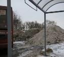 Грязный снег к мемориалу «Защитникам неба Отечества» привезли тульские предприниматели