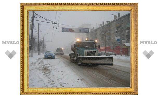 Тулу от снега убирает 108 единиц техники