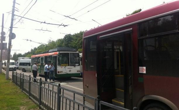 На проспекте Ленина столкнулись троллейбус и автобус